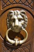 Doorknocker. гвардии perticara. базиликата. италия. — Стоковое фото