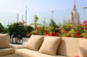 Terrace in cartagena centre overlooking the cathedral — Stock Photo