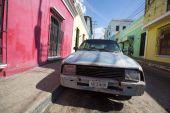 Old car in the street of Ciudad Bolivar, Venezuela — Stock Photo
