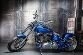 Blue chrome road bike — 图库照片