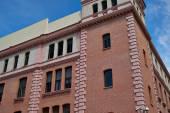 Edifici con fronti di pizzo della città di madrid — Foto Stock