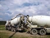 Pouring concrete mixer with pump without pump mixer  — Foto de Stock