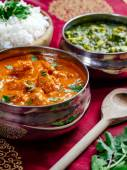Butter chicken with rice and Saag Paneer — Stock Photo