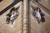 Sculptures architectural detail of Loggia de Lanzi — Stock Photo