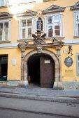 Typical yellow building facade from  Graz, Austria — Stock Photo