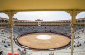 Plaza de Toros de Las Ventas vue de l'intérieur avec les touristes gatheri — Photo
