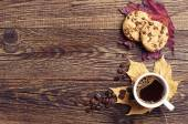 Coffee, cookies and autumn leaves — Stock Photo