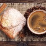 Coffee cup and fresh bun — Stock Photo #59513663