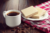 Coffee and wafers — Stock Photo
