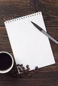 Penna e taccuino aperto, caffè — Foto Stock