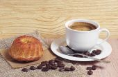 Coffee and muffin — Stock Photo