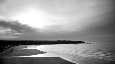 Time-lapse of a bay and the sea in black and white — Stock Video
