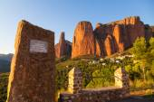 Mallos de Riglos Memorial Monument, Huesca, Aragon, Spain — Stock Photo