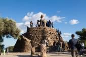 Tourists in the Turo de Les Tres Creus — Stock Photo