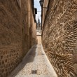 Narrow lane in old town of Toledo, Spain — Stock Photo #55190039