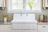 Kitchen sink and counter — Stock Photo