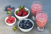 Fresh berry smoothies — Stock Photo