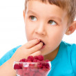 Little boy with raspberries — Stock Photo #56149613