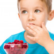 Little boy with raspberries — Stock Photo #59591535