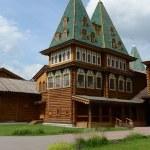 Wooden palace of Tsar Alexei Mikhailovich in Kolomenskoye — Stock Photo #51883341
