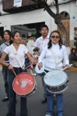 Los habitantes de la ciudad durante el carnaval en honor de la virgen de guadalupe. — Foto de Stock