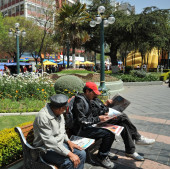 The people on the streets of La Paz city — Stock Photo