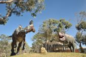 Great dinosaur Park, where traces of these ancient reptiles — Stock Photo
