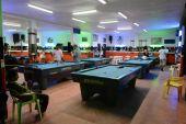 Locals relax in the billiard club. — Stock Photo