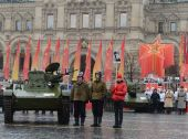 Historical military hardware on parade-reconstruction  on Red Square in Moscow. — Stock Photo