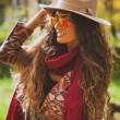 Autumn fashion woman outdoor — Stockfoto #57656473