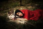 Red riding hood and the wolf — Stockfoto
