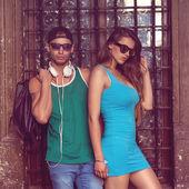 Sexy und modische paar, sonnenbrillen. vogue — Stockfoto