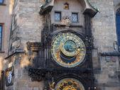 PRAGUE, CZECH REPUBLIC - APRIL 19, 2015: The clock on the tower — Stock Photo