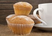Cakes and cup — Stock Photo
