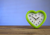Heart shaped clock — Stock Photo