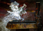 Incense burning in a Hinduist temple in Kathmandu — Stock Photo