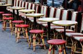 Sidewalk cafe in Paris — Stock Photo