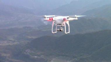 Dji Phantom 2 Vision Plus drone volante — Video Stock