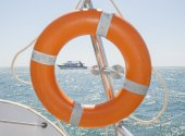 Life ring on a boat — Stock Photo