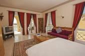 Bedroom in a luxury villa — Stock Photo