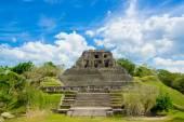Xunantunich maya site ruins in belize — Stock Photo