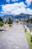 Modern avenue in Quito Ecuador — Stock Photo