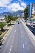 Modern avenue in Quito Ecuador — Photo