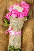 Beautiful bouquet of Ecuadorian pink roses — Stock Photo