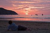 Breathtaking view of amazing sunset in beautiful beach, Manabi, Ecuador — Stock Photo