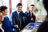 Gruppe von Firmen im Büro — Stockfoto