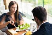 Couple eating in restaurant — Stock Photo