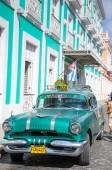 Cienfuegos, Cuba - 26 de enero de 2013 Parque de coche americano clásico en — Foto de Stock