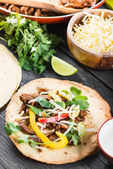Making typical latin street food, mexican taco — Stock Photo
