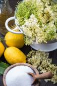 Preparation of homemade elderflower cordial — Stock Photo
